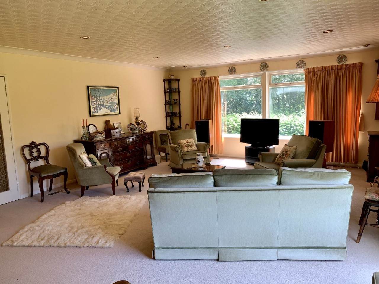 4 bedroom detached bungalow For Sale in Todmorden - Photograph 8.