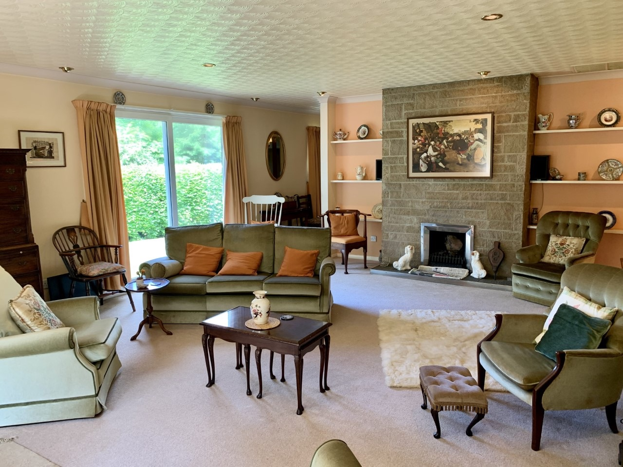 4 bedroom detached bungalow For Sale in Todmorden - Photograph 6.