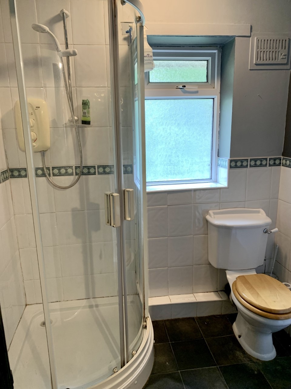 2 bedroom maisonette flat/apartment For Sale in Todmorden - Photograph 13.