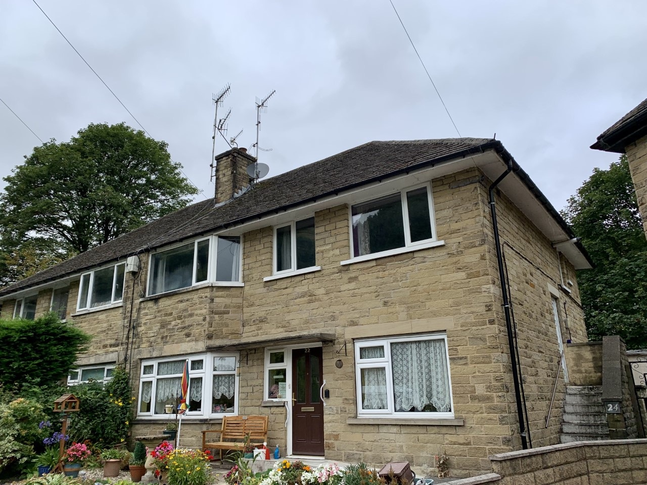2 bedroom maisonette flat/apartment For Sale in Todmorden - Property photograph.