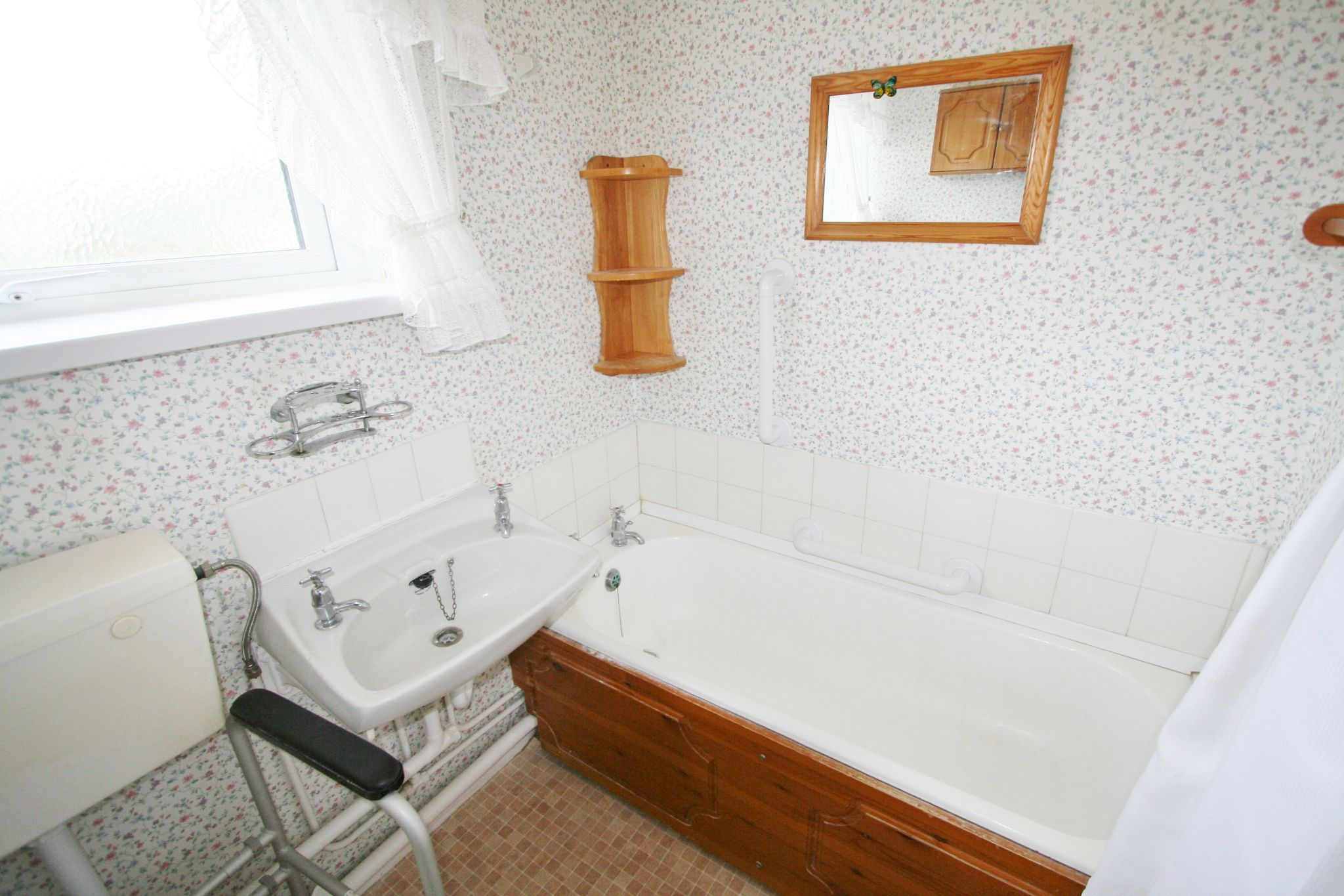 3 bedroom mid terraced house Let Agreed in Antrim - Property photograph