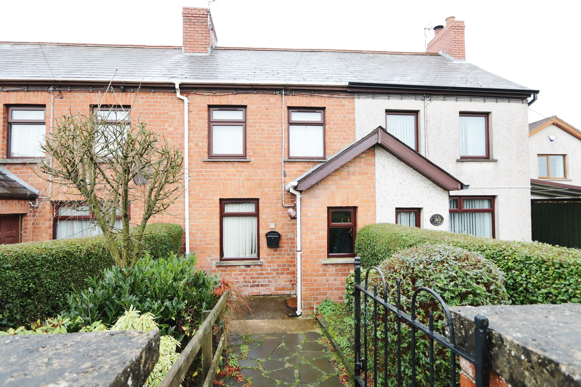 2 bedroom mid terraced house To Let in Antrim - Property photograph
