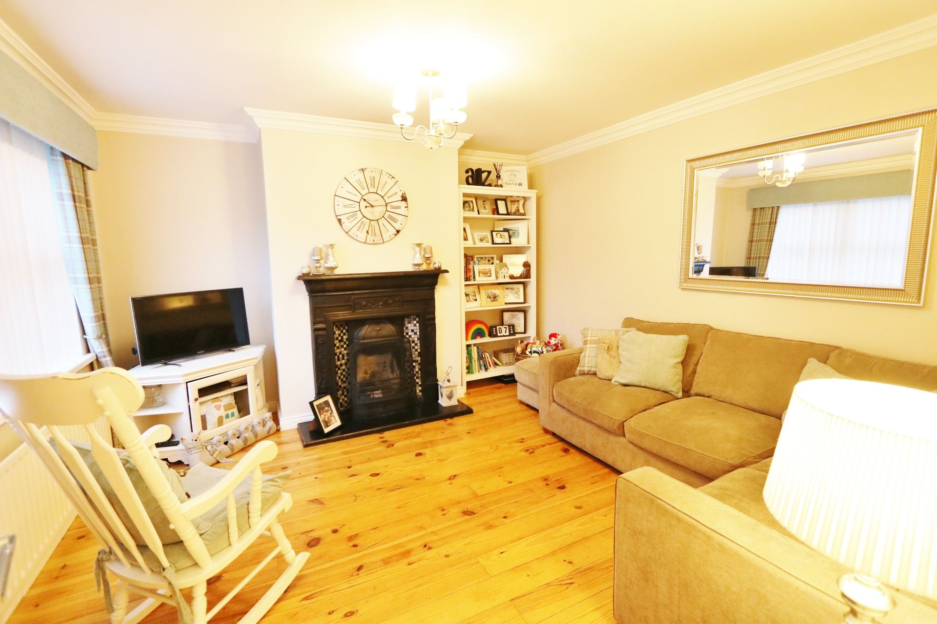 3 bedroom semi-detached house For Sale in Ballymena - Property photograph