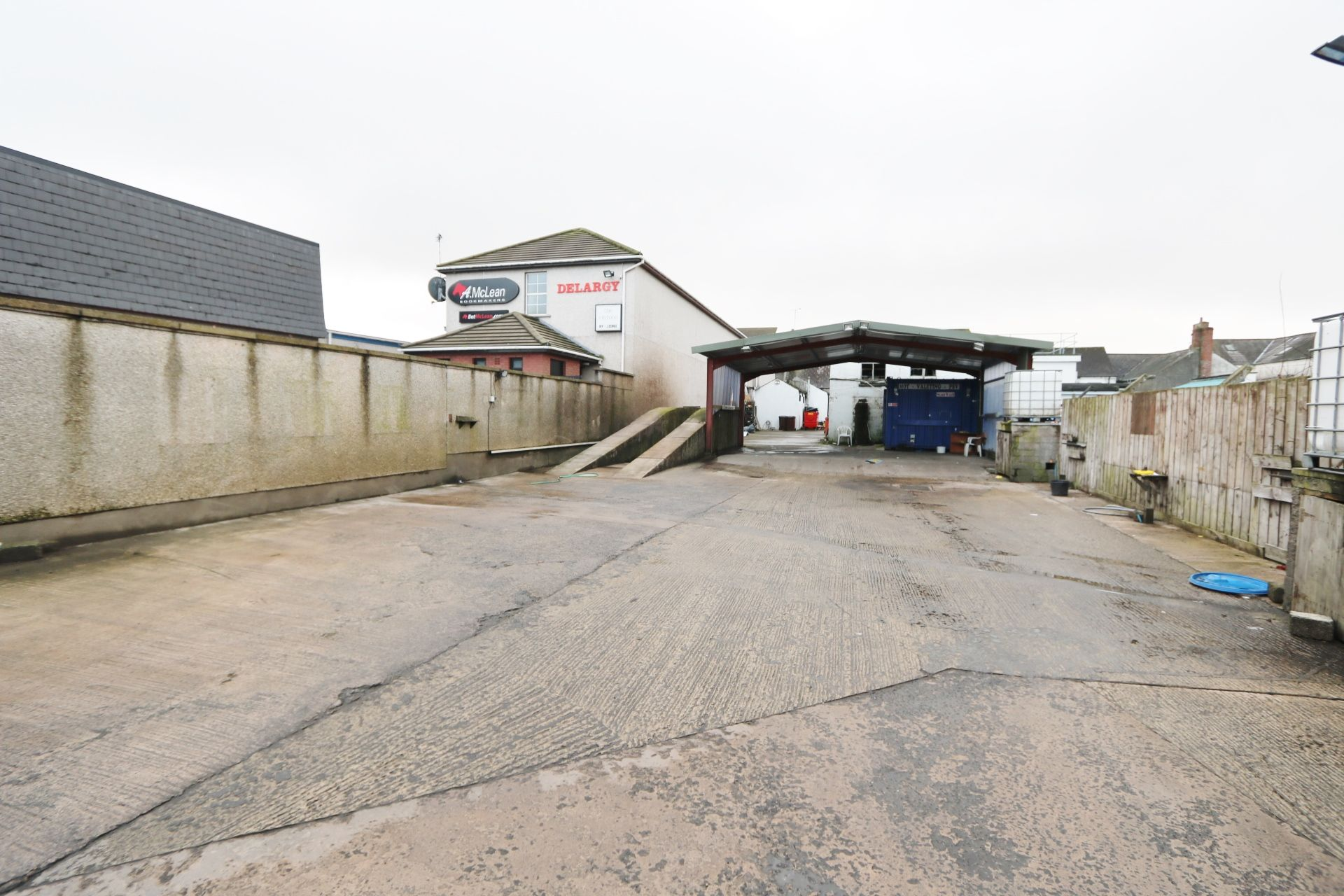 Commercial Property To Let in Antrim - Property photograph