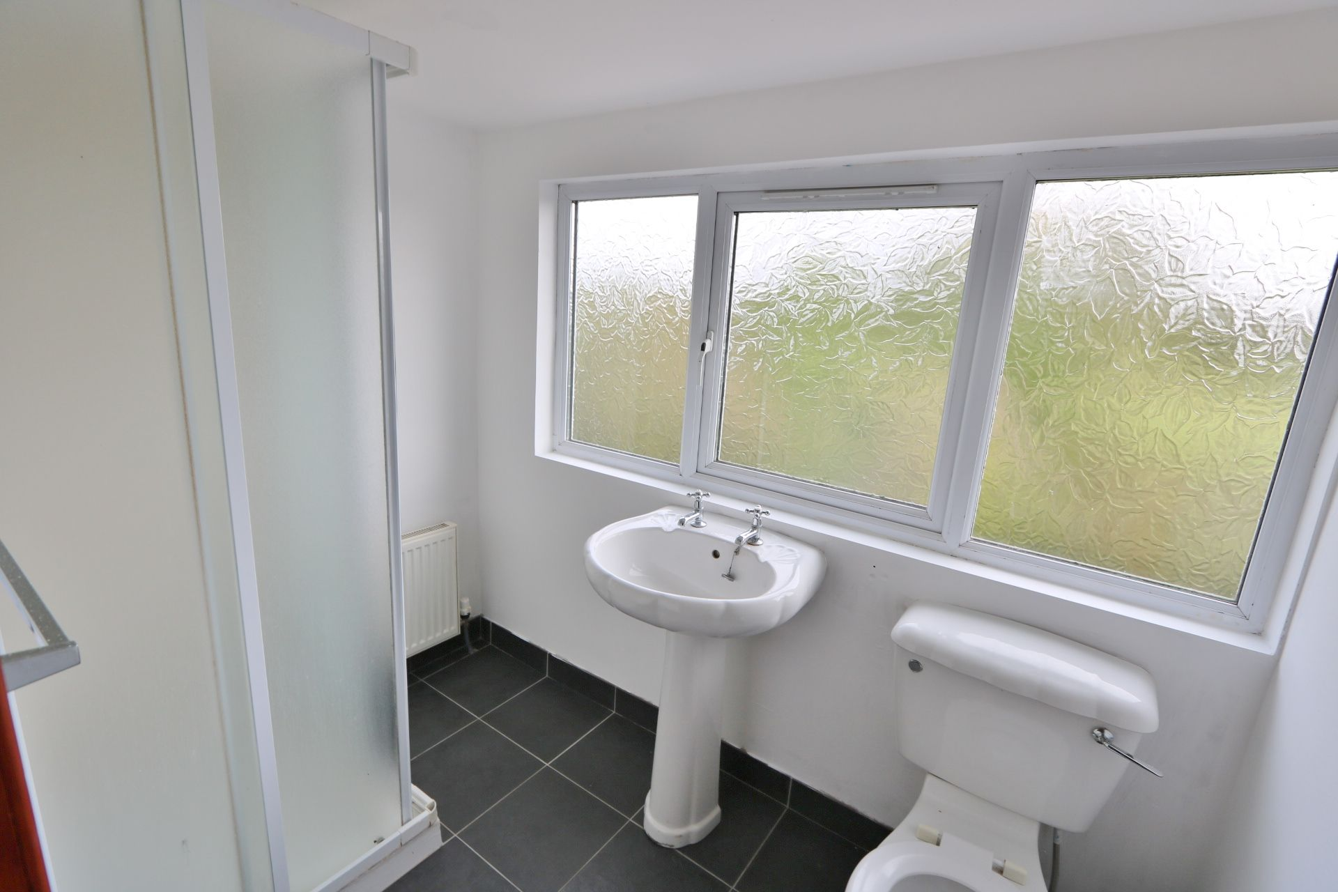 4 bedroom semi-detached house For Sale in Antrim - Photograph 15