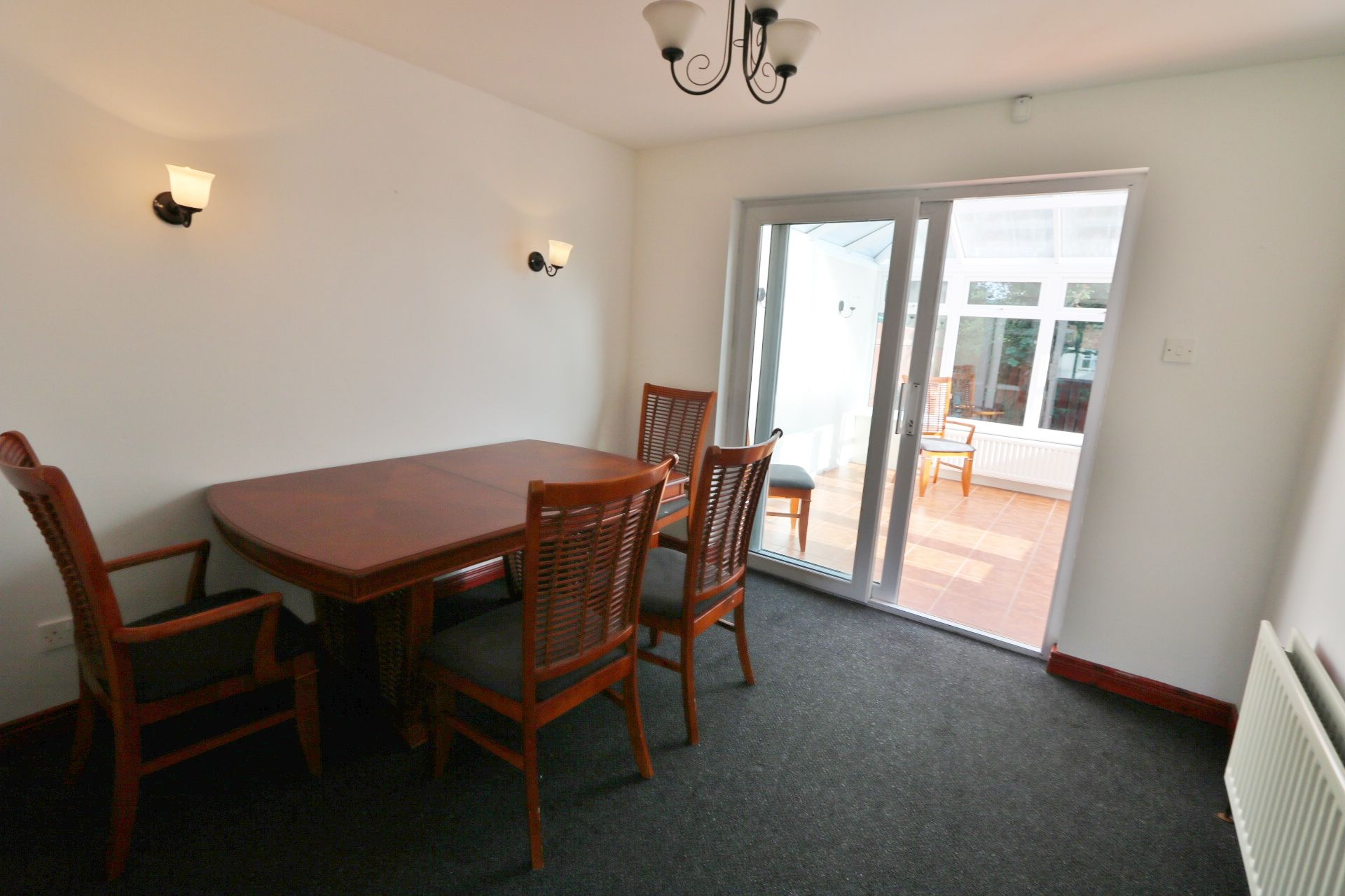 4 bedroom semi-detached house For Sale in Antrim - Photograph 4