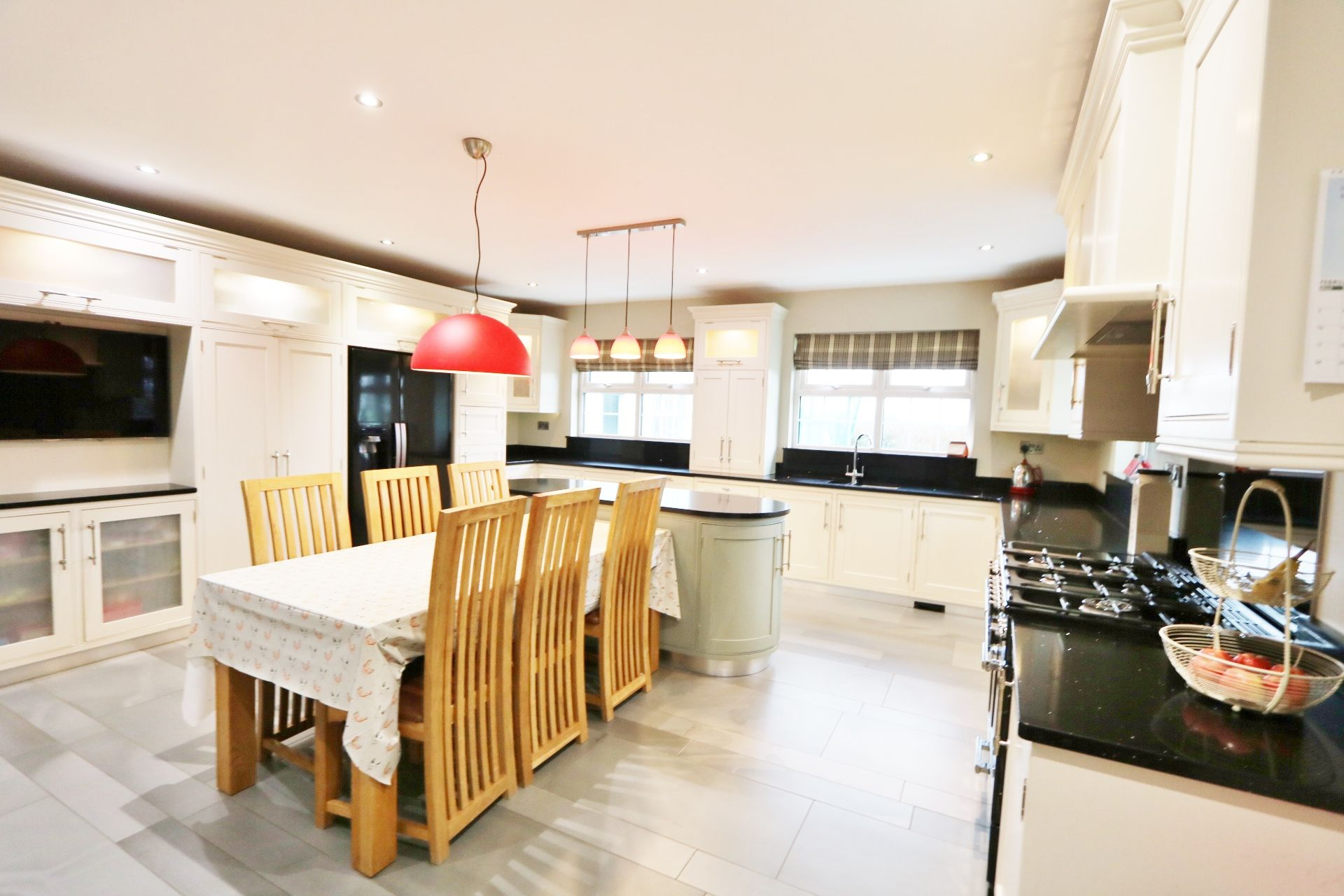 5 bedroom detached house Under Offer in Crumlin - Photograph 7