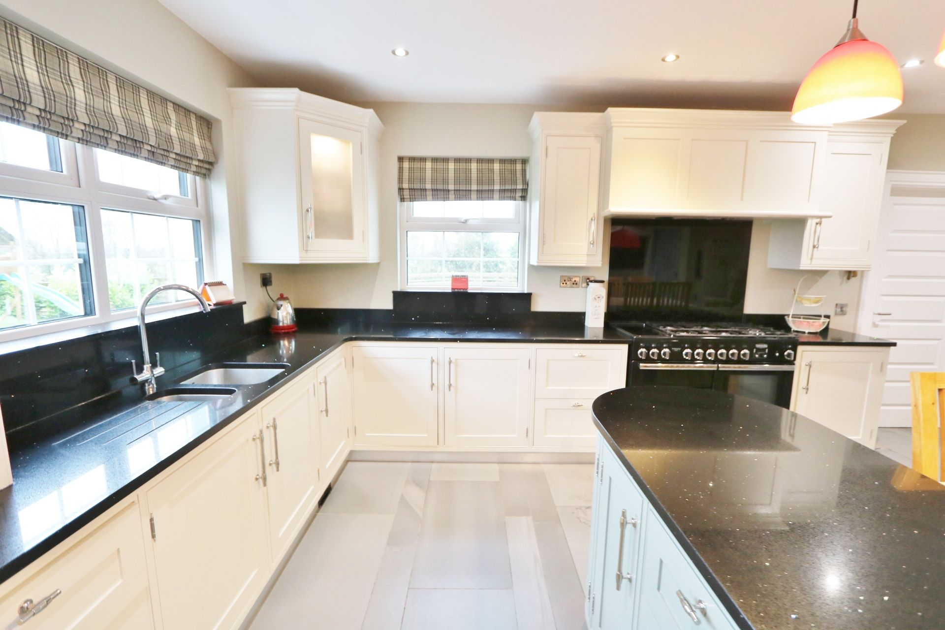 5 bedroom detached house Under Offer in Crumlin - Photograph 5
