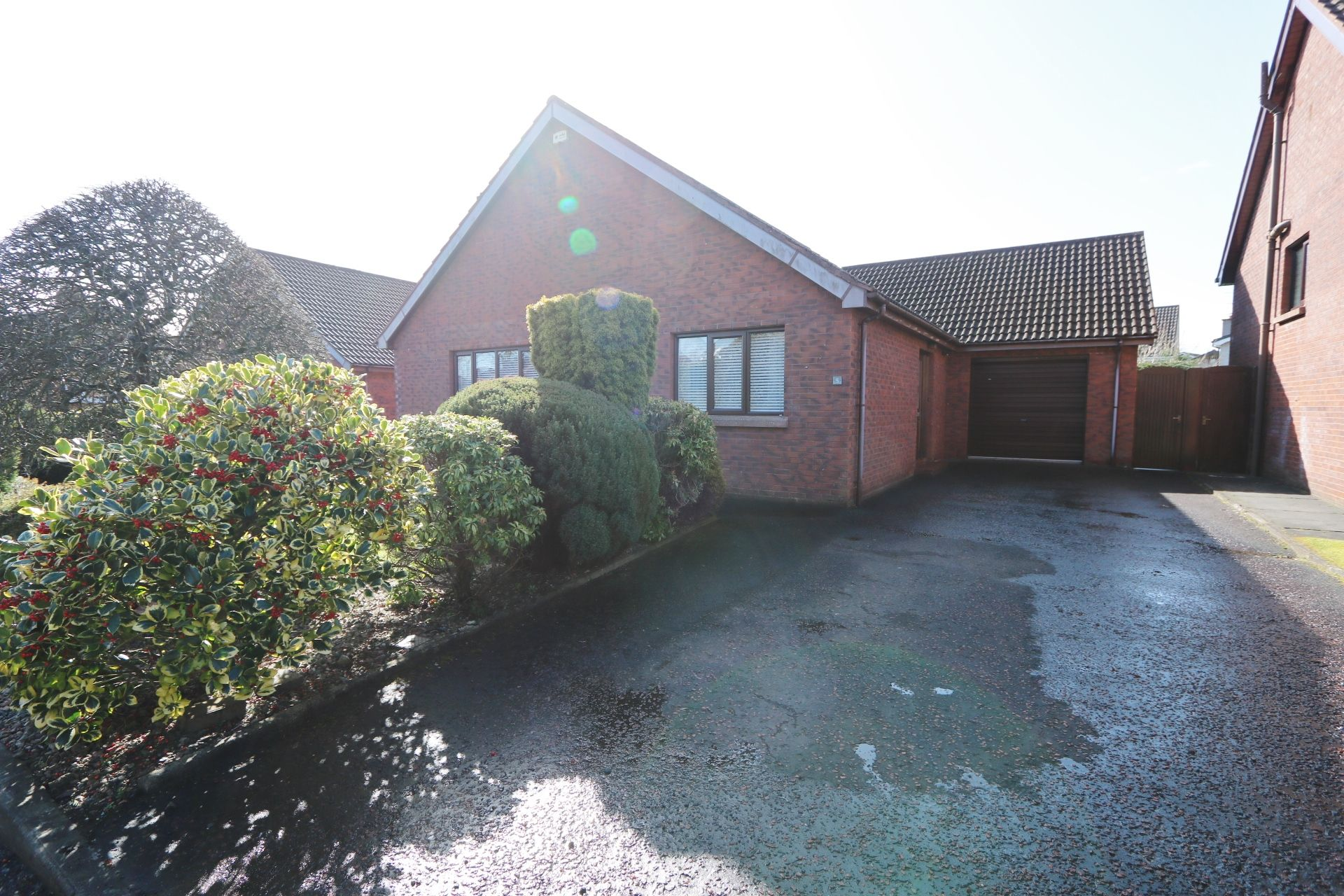 2 bedroom detached bungalow For Sale in Ballymena - Property photograph