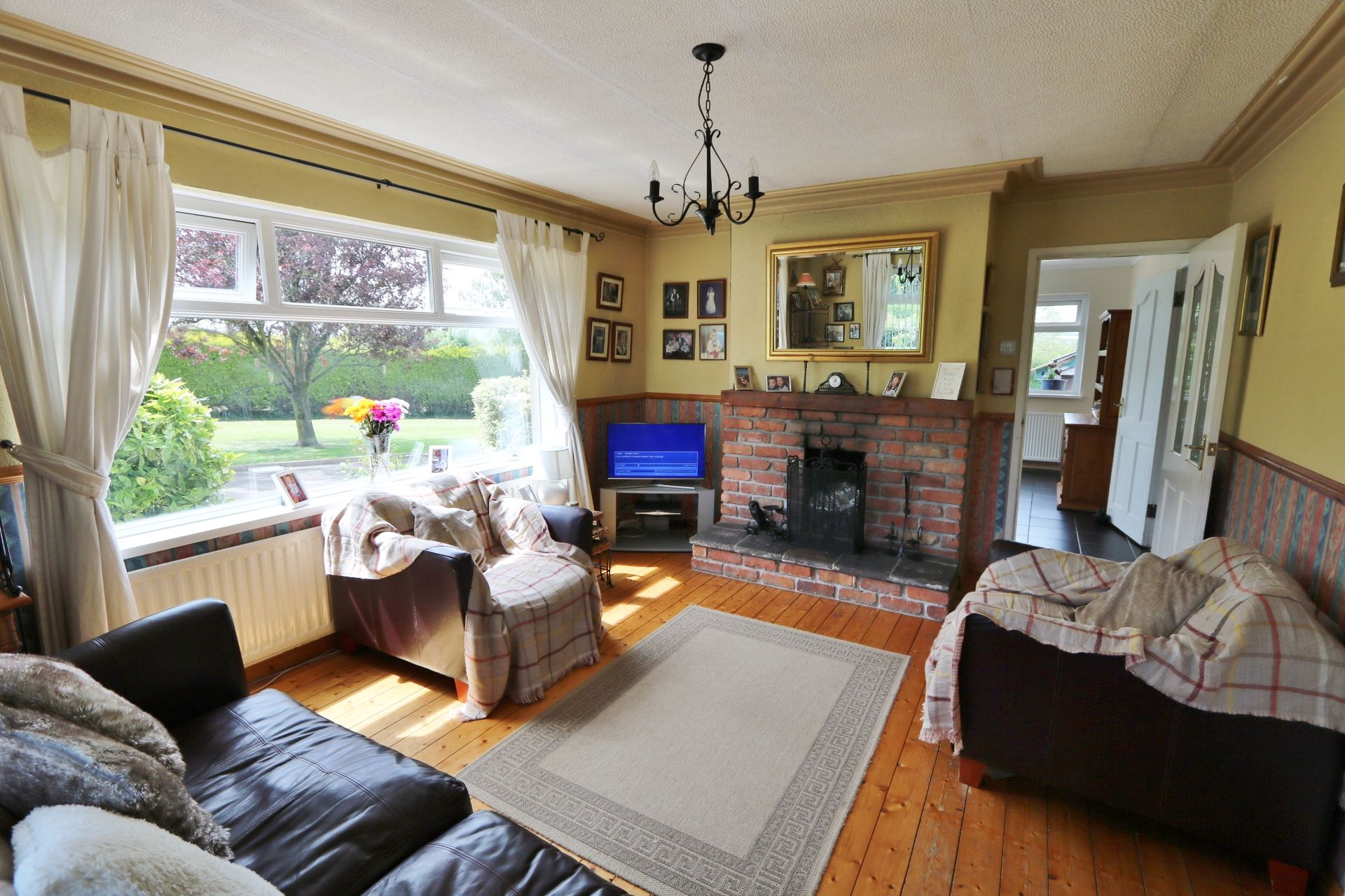 3 bedroom detached bungalow For Sale in Randalstown - Photograph 6