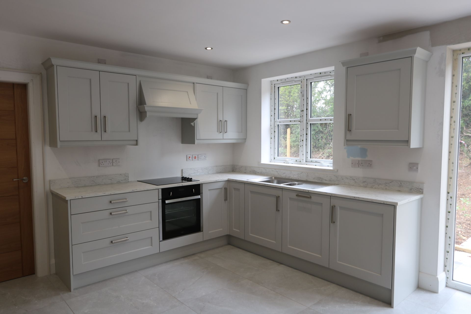 4 bedroom detached house For Sale in Antrim - Photograph 4