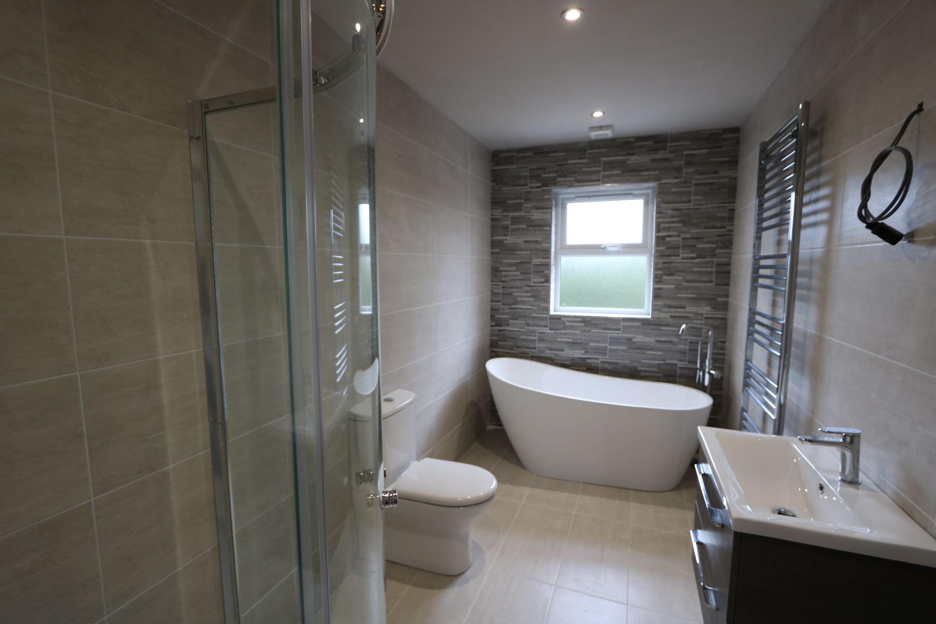 4 bedroom detached house For Sale in Antrim - Photograph 8
