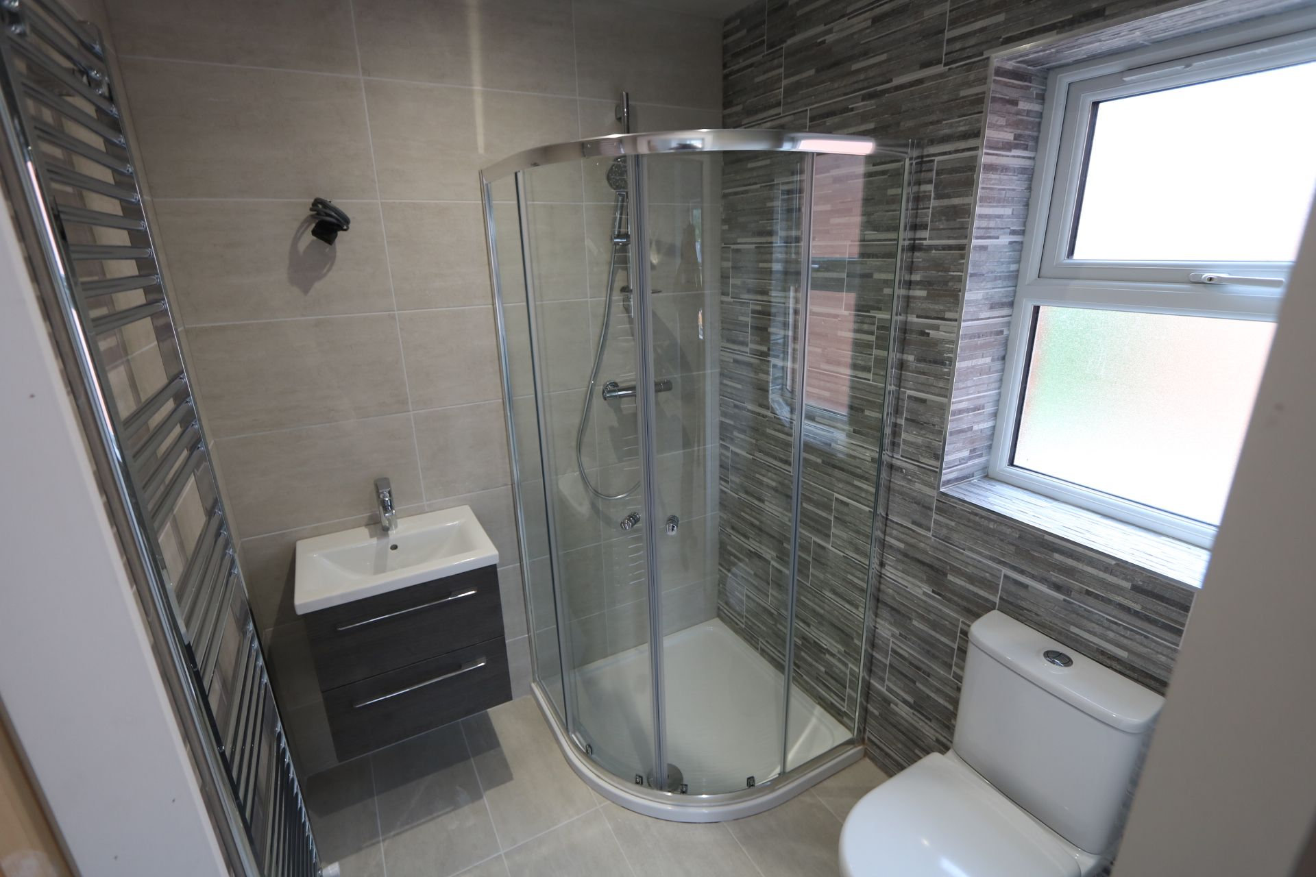 4 bedroom detached house For Sale in Antrim - Photograph 10