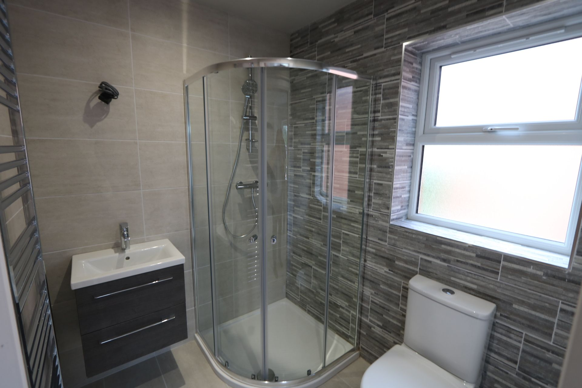 4 bedroom detached house For Sale in Antrim - Photograph 9
