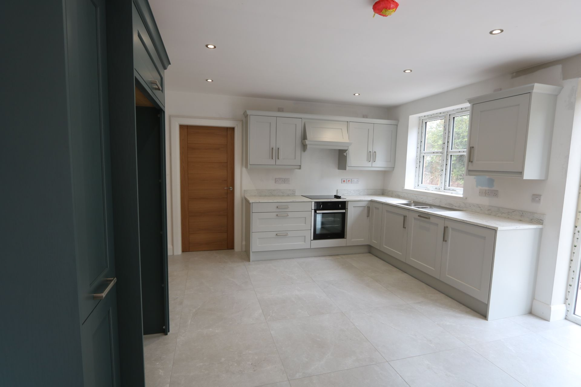 4 bedroom detached house For Sale in Antrim - Photograph 6