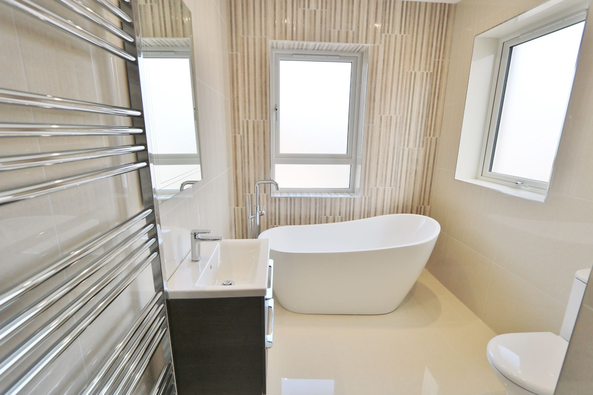 3 bedroom detached house For Sale in Milltown - Photograph 16