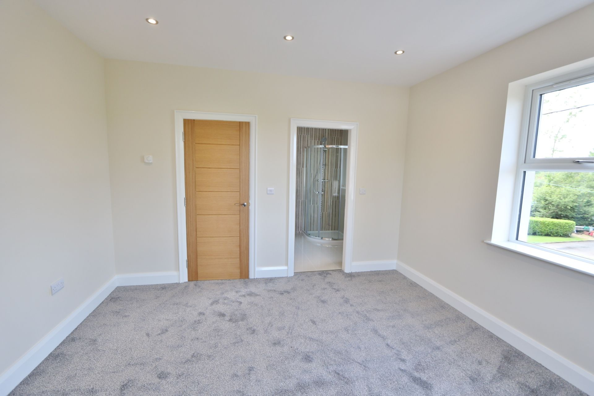 3 bedroom detached house For Sale in Milltown - Photograph 12