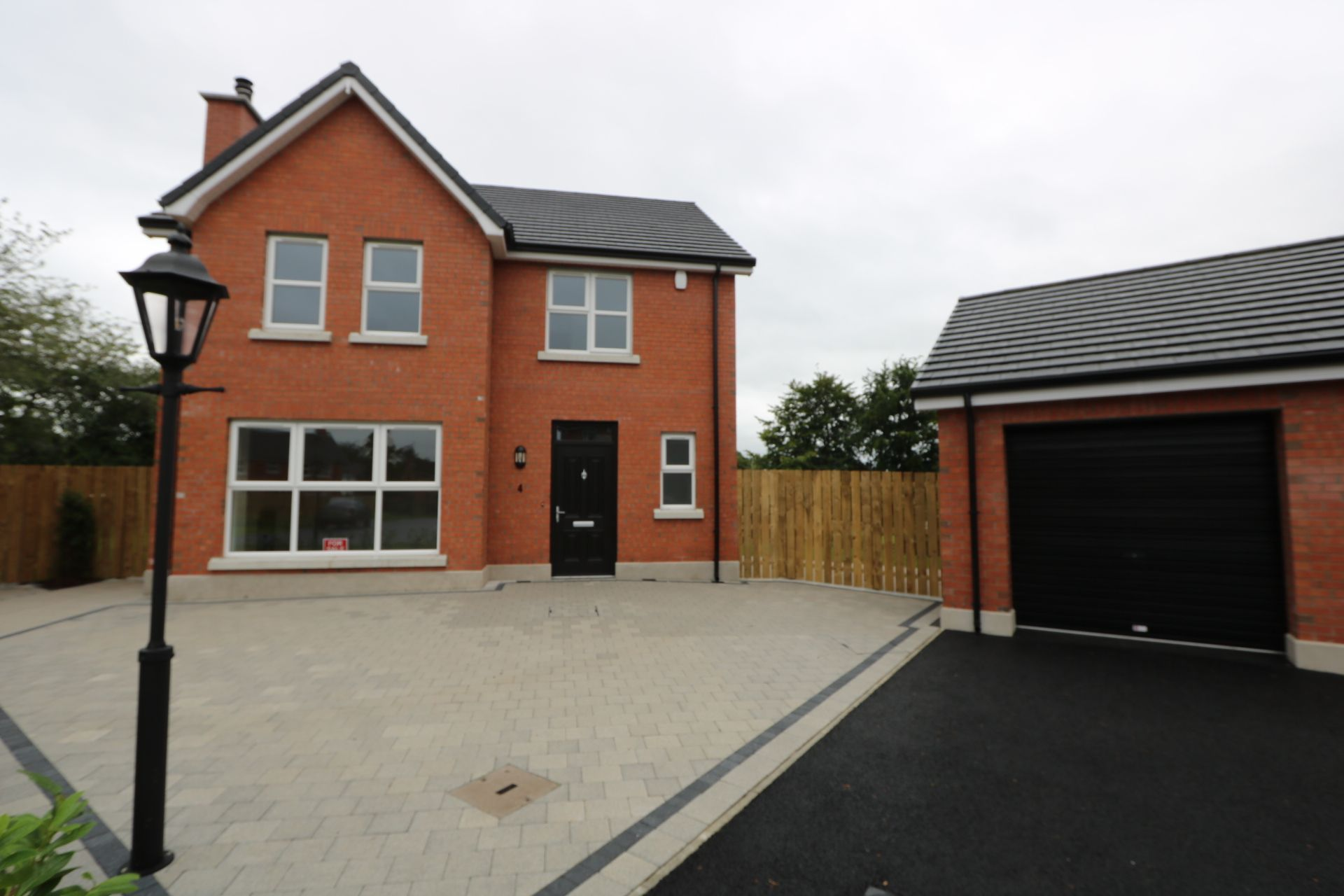 4 bedroom detached house For Sale in Antrim - Photograph 3
