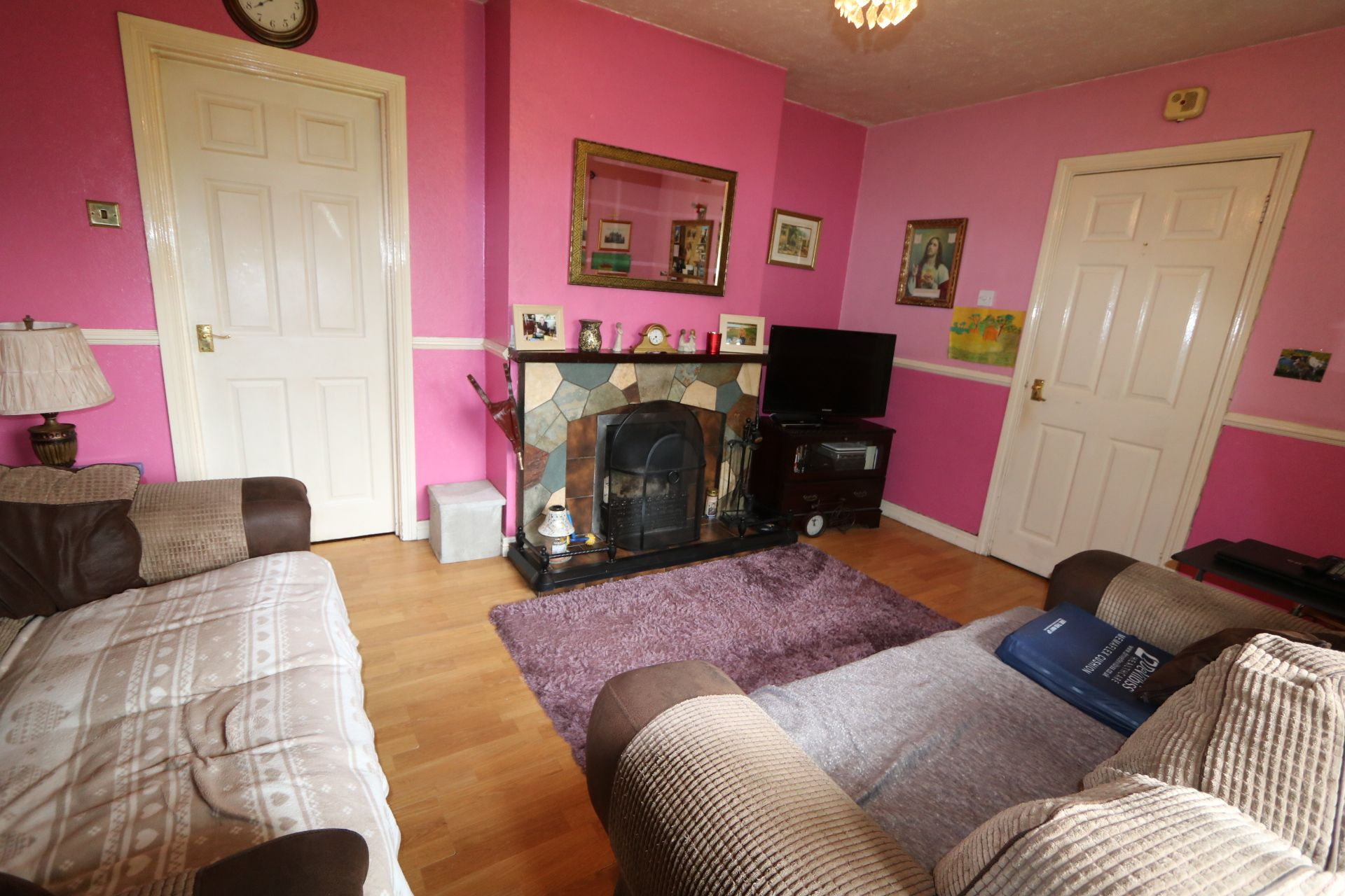 3 bedroom detached bungalow For Sale in Randalstown - Property photograph