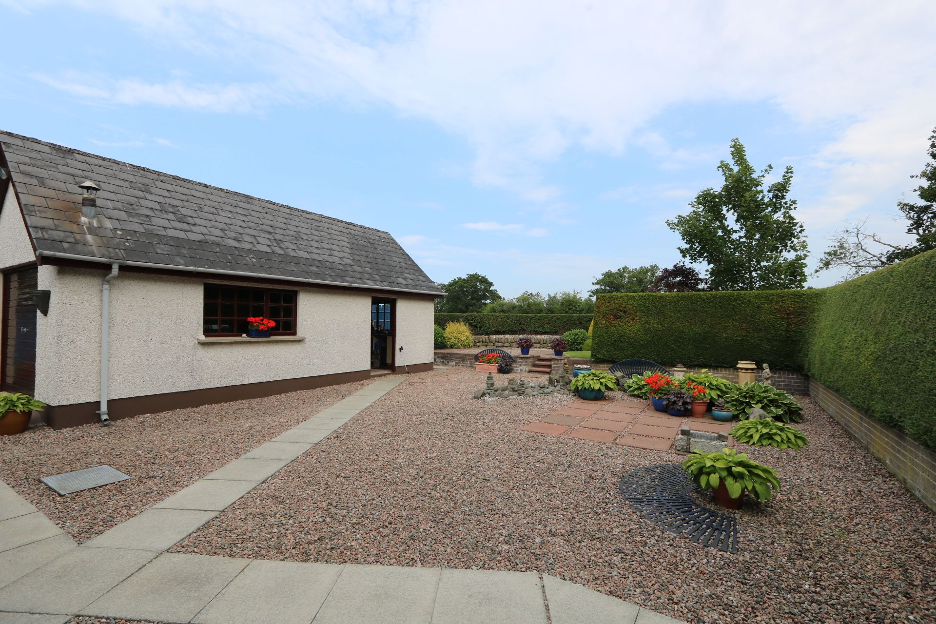 4 bedroom detached bungalow Under Offer in Antrim - Photograph 6