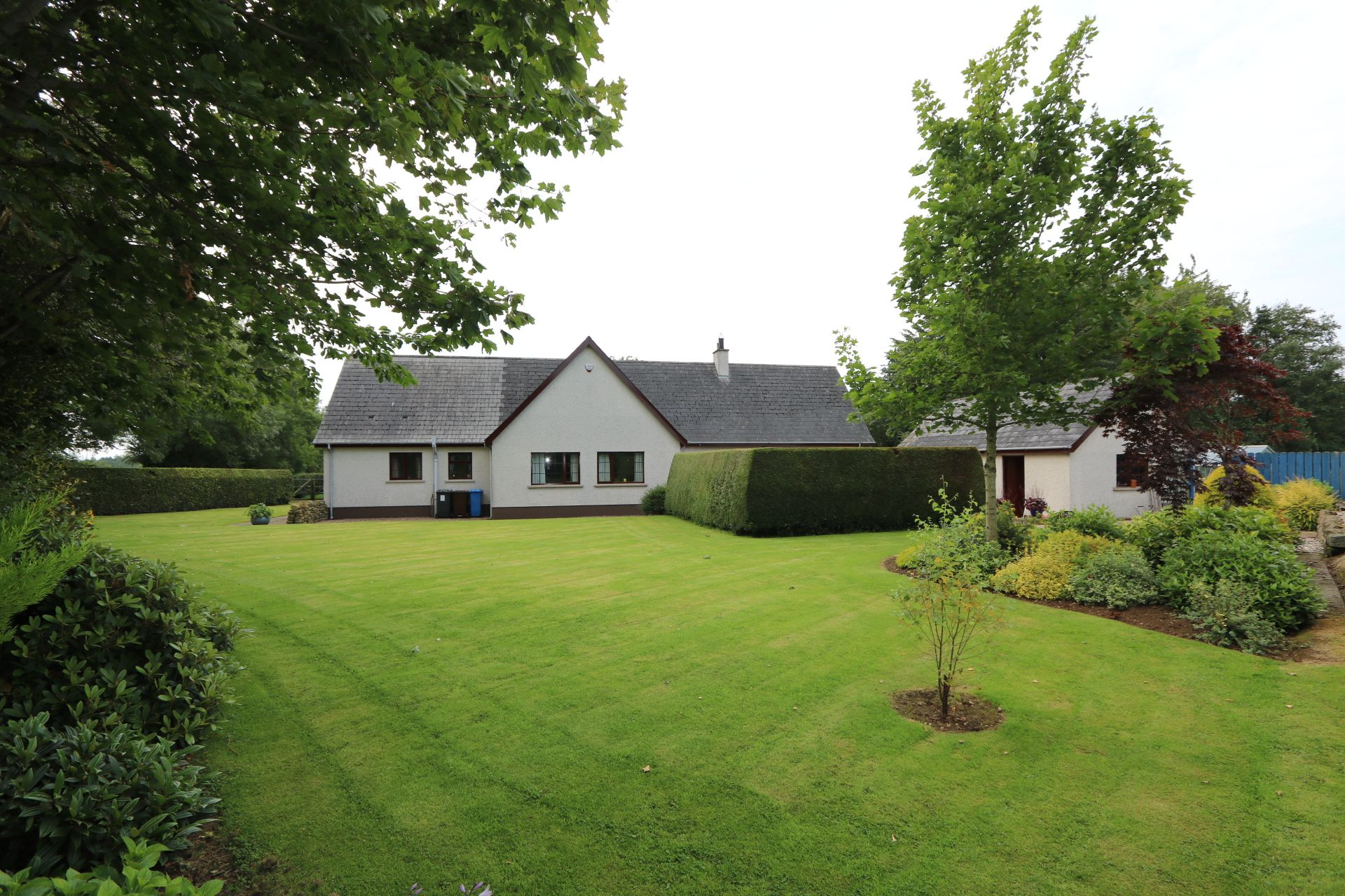 4 bedroom detached bungalow Under Offer in Antrim - Photograph 2