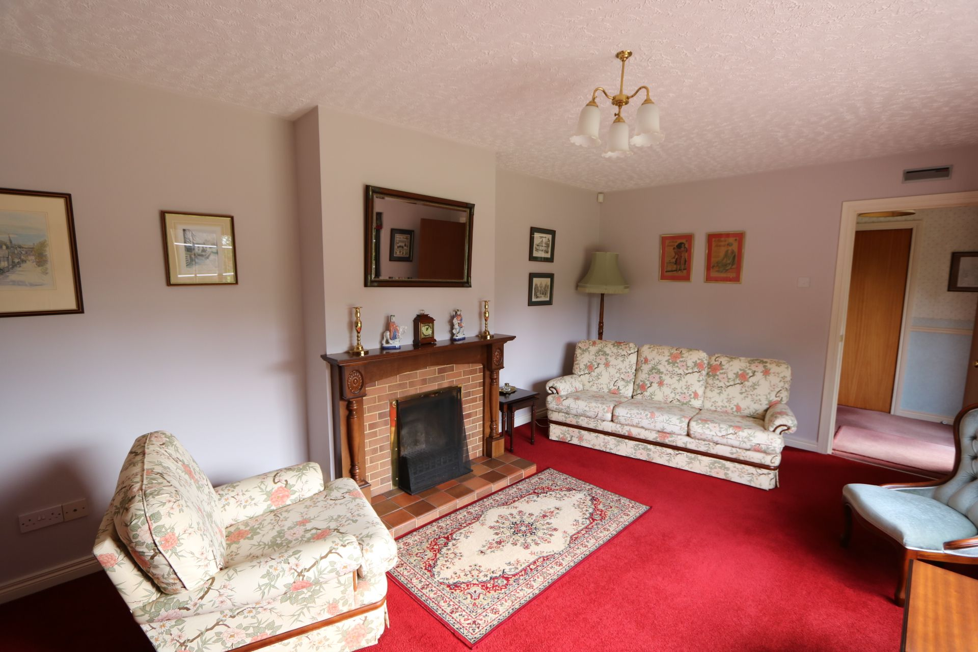 4 bedroom detached bungalow Under Offer in Antrim - Photograph 12