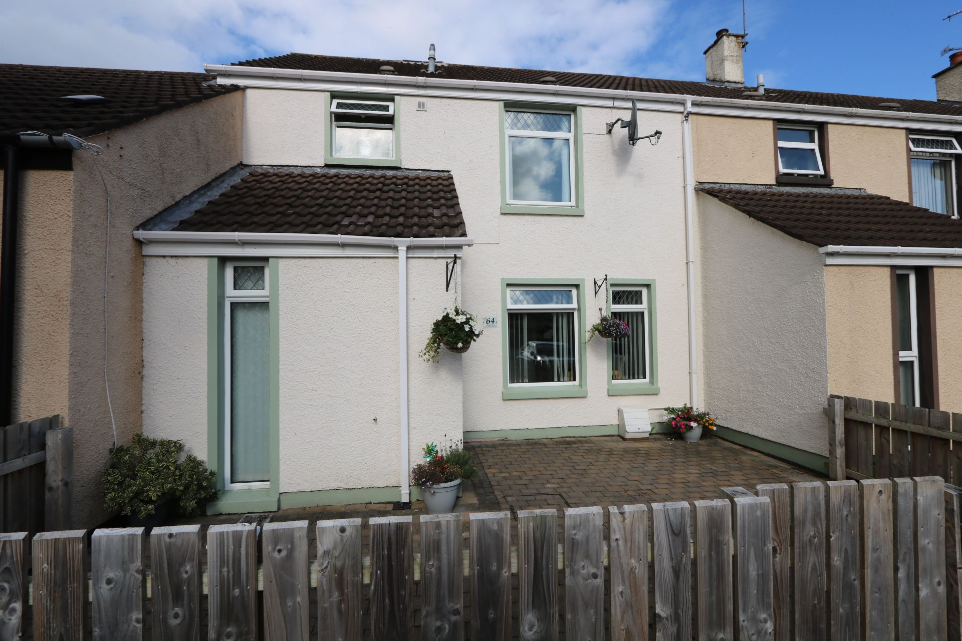 4 bedroom mid terraced house For Sale in Antrim - Property photograph