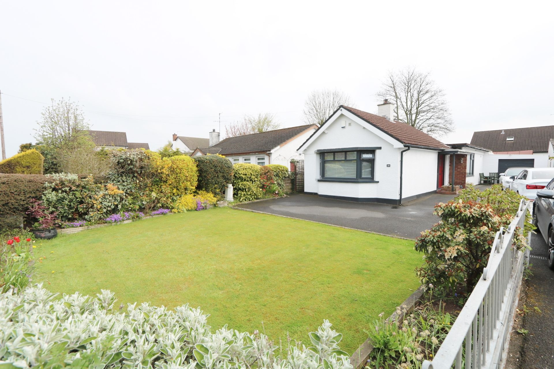 2 bedroom detached bungalow For Sale in Antrim - Property photograph