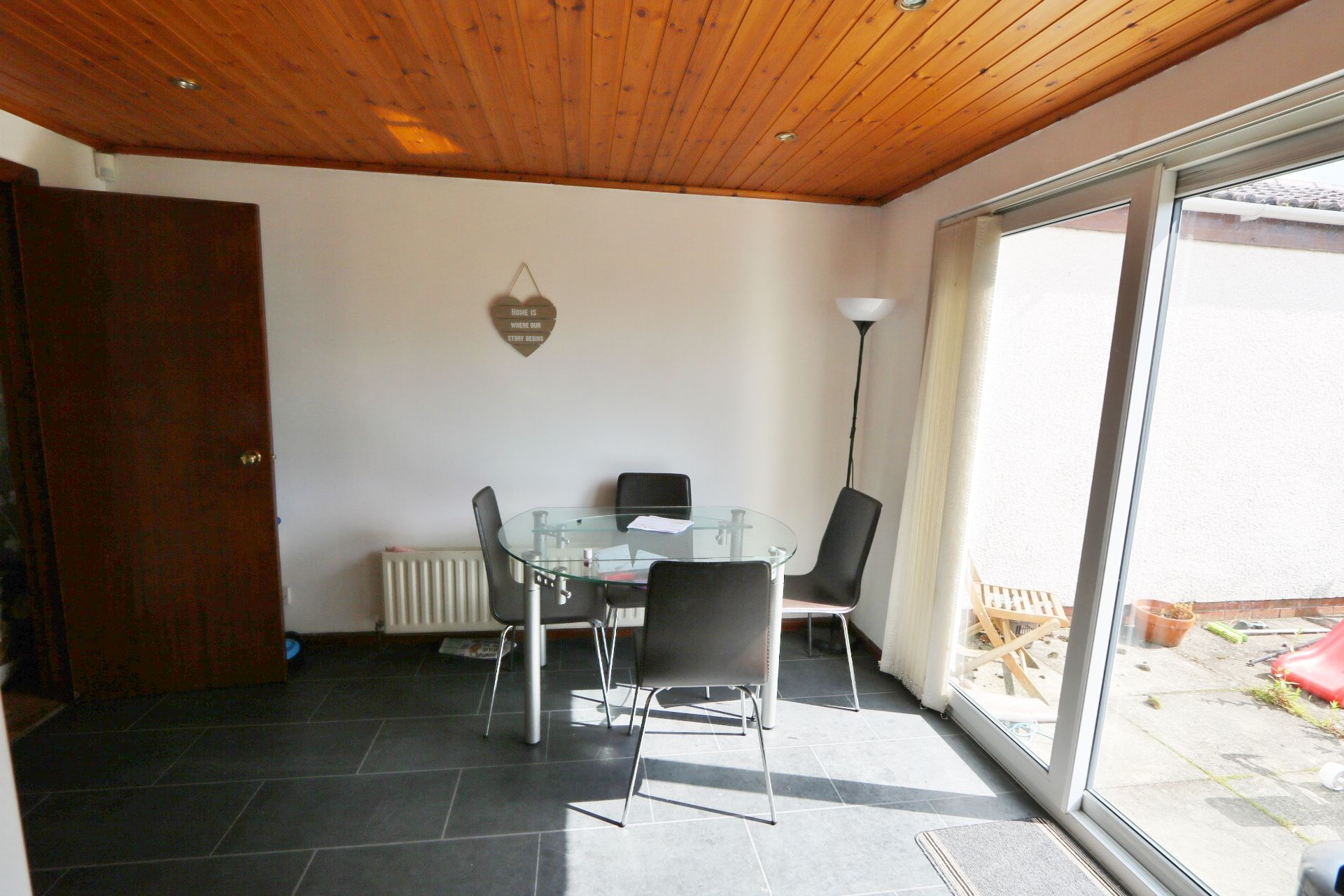 3 bedroom semi-detached house For Sale in Antrim - Property photograph