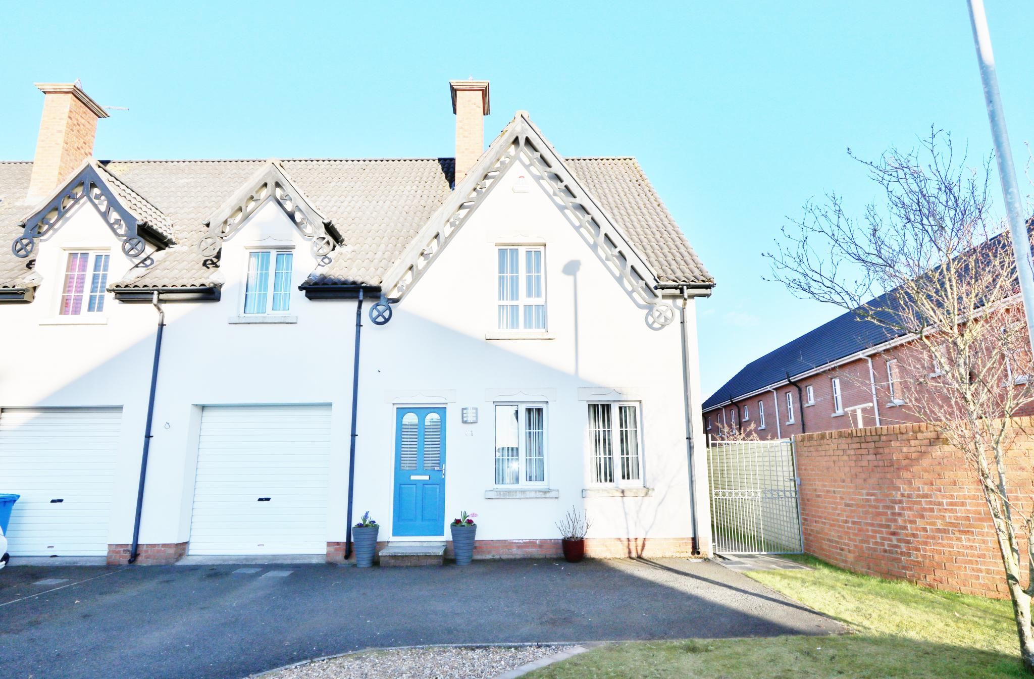4 bedroom town house For Sale in Antrim - Property photograph