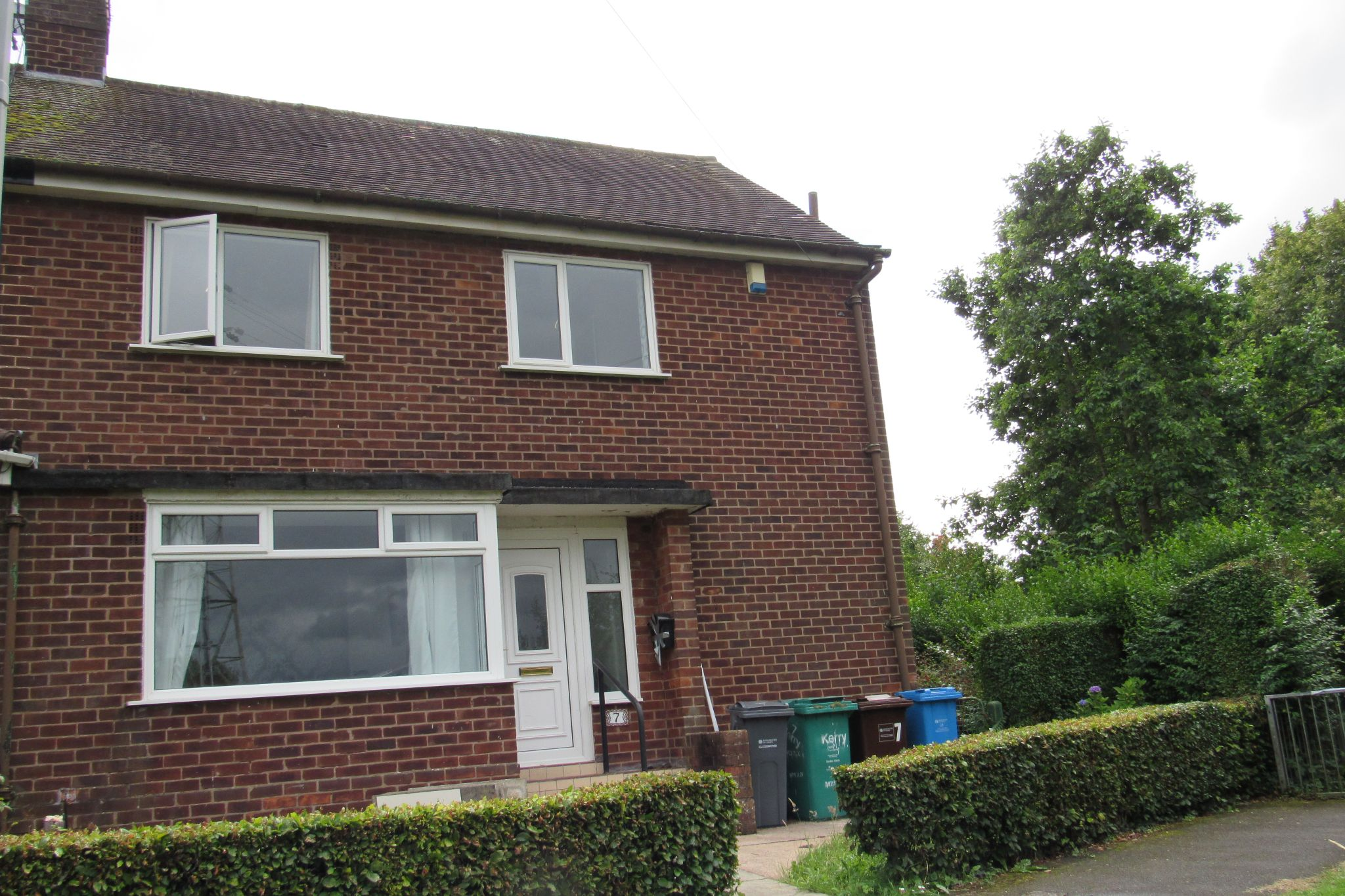 3 bedroom semi-detached house SSTC in Wythenshawe - Photograph 23.