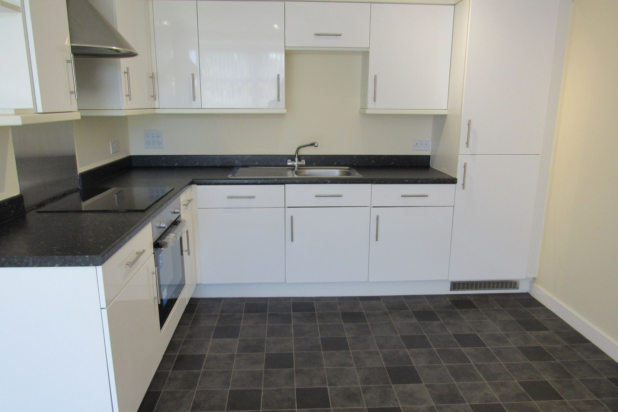 2 bedroom apartment flat/apartment For Sale in Manchester - Photograph 5.