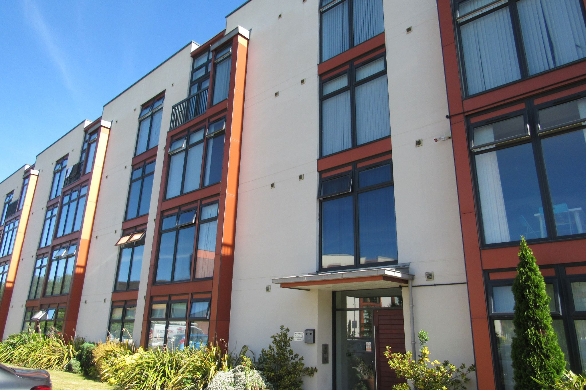 2 bedroom apartment flat/apartment Sale Agreed in Manchester - Photograph 1.