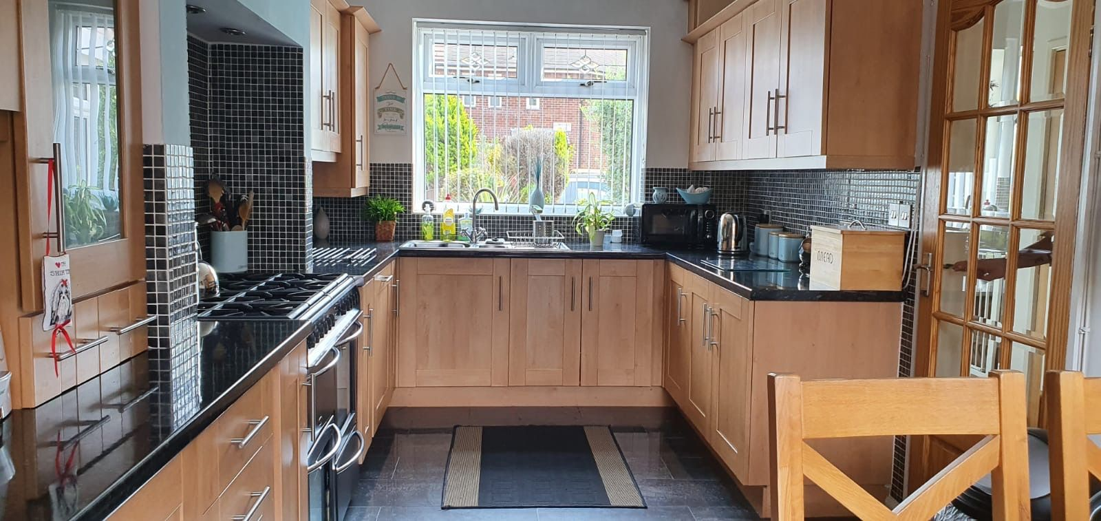 3 bedroom mid terraced house SSTC in Manchester - Photograph 4.