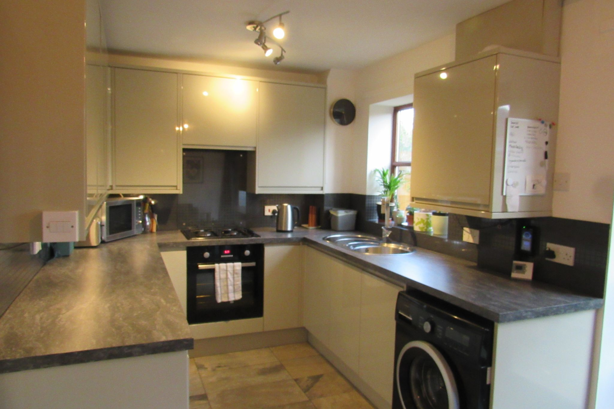 2 bedroom semi-detached house SSTC in Northenden - Photograph 9.