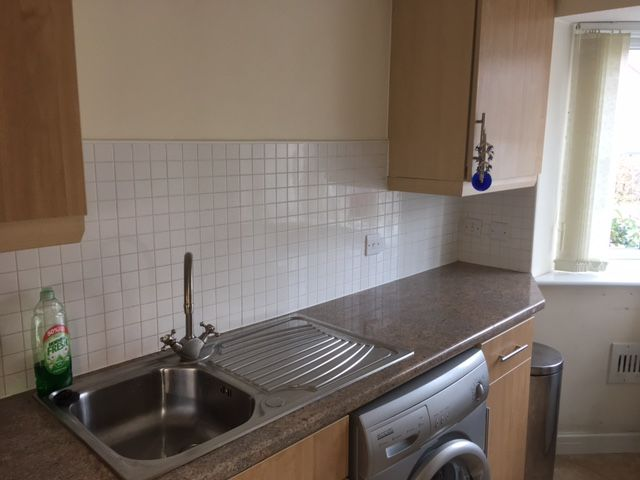 2 bedroom semi-detached house SSTC in Manchester - Photograph 11.