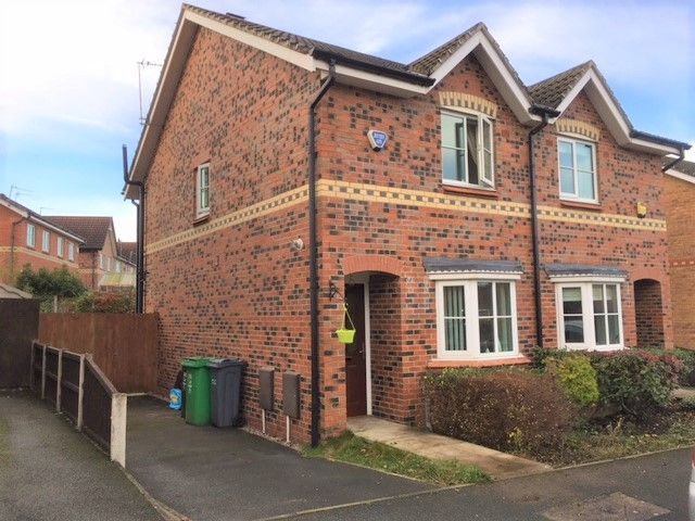 2 bedroom semi-detached house SSTC in Manchester - Photograph 15.