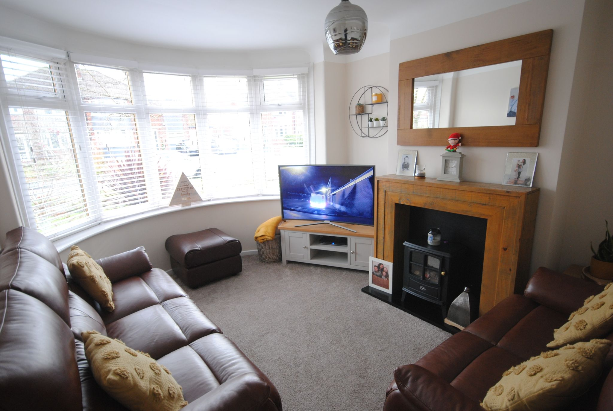 4 bedroom semi-detached house Sale Agreed in Manchester - Photograph 38.