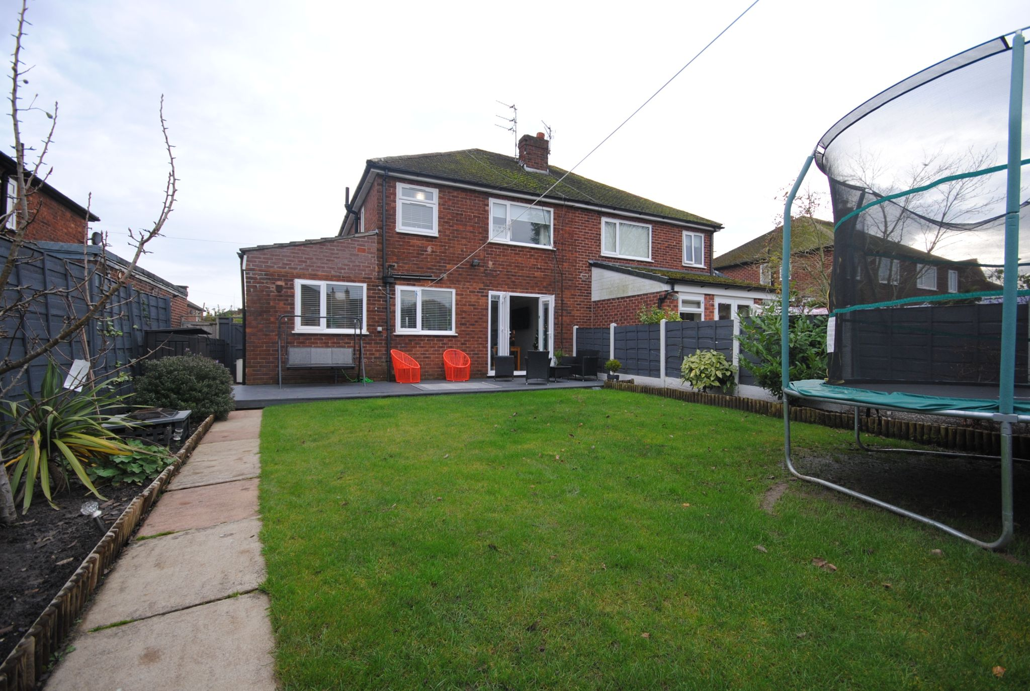 4 bedroom semi-detached house Sale Agreed in Manchester - Photograph 50.