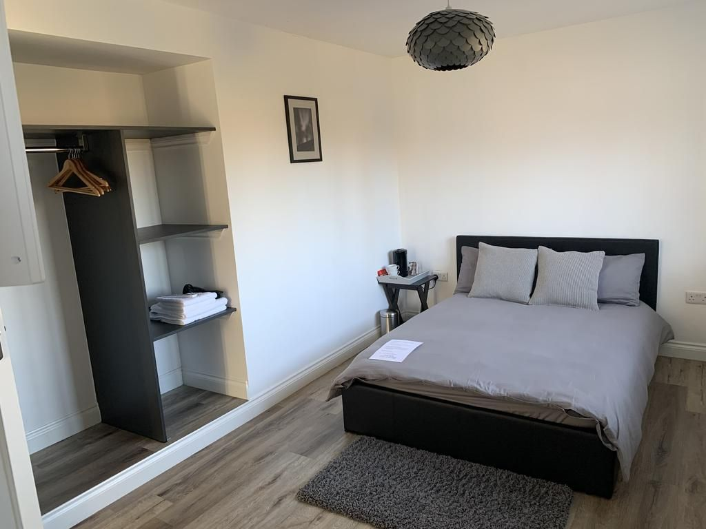 4 bedroom semi-detached house SSTC in Manchester - Photograph 13.