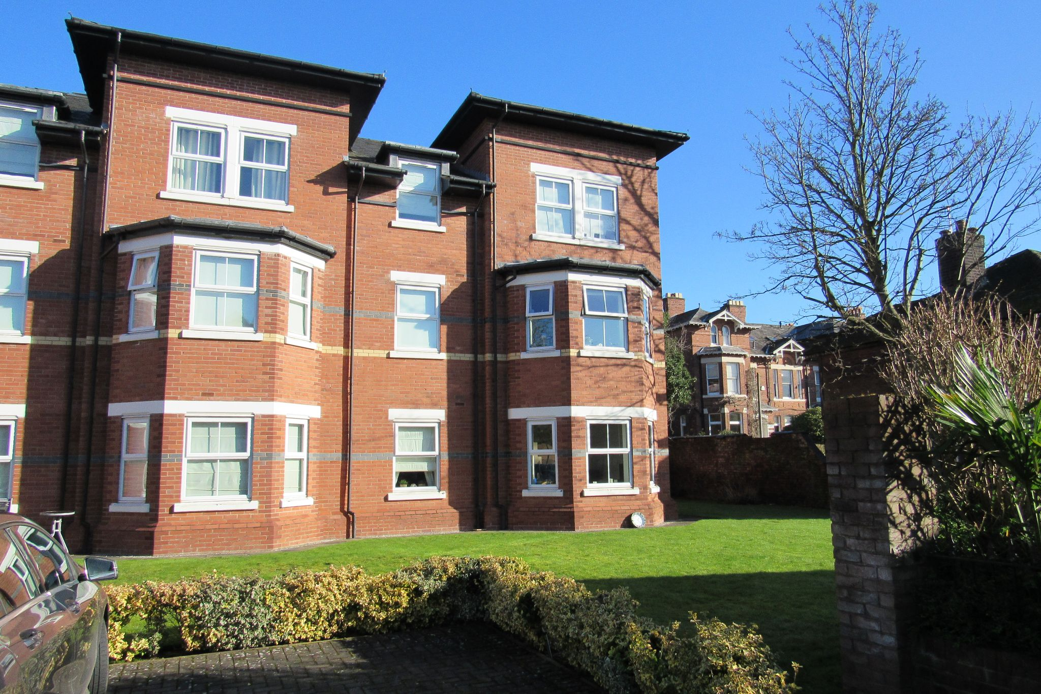 3 bedroom apartment flat/apartment SSTC in Sale - Photograph 1.