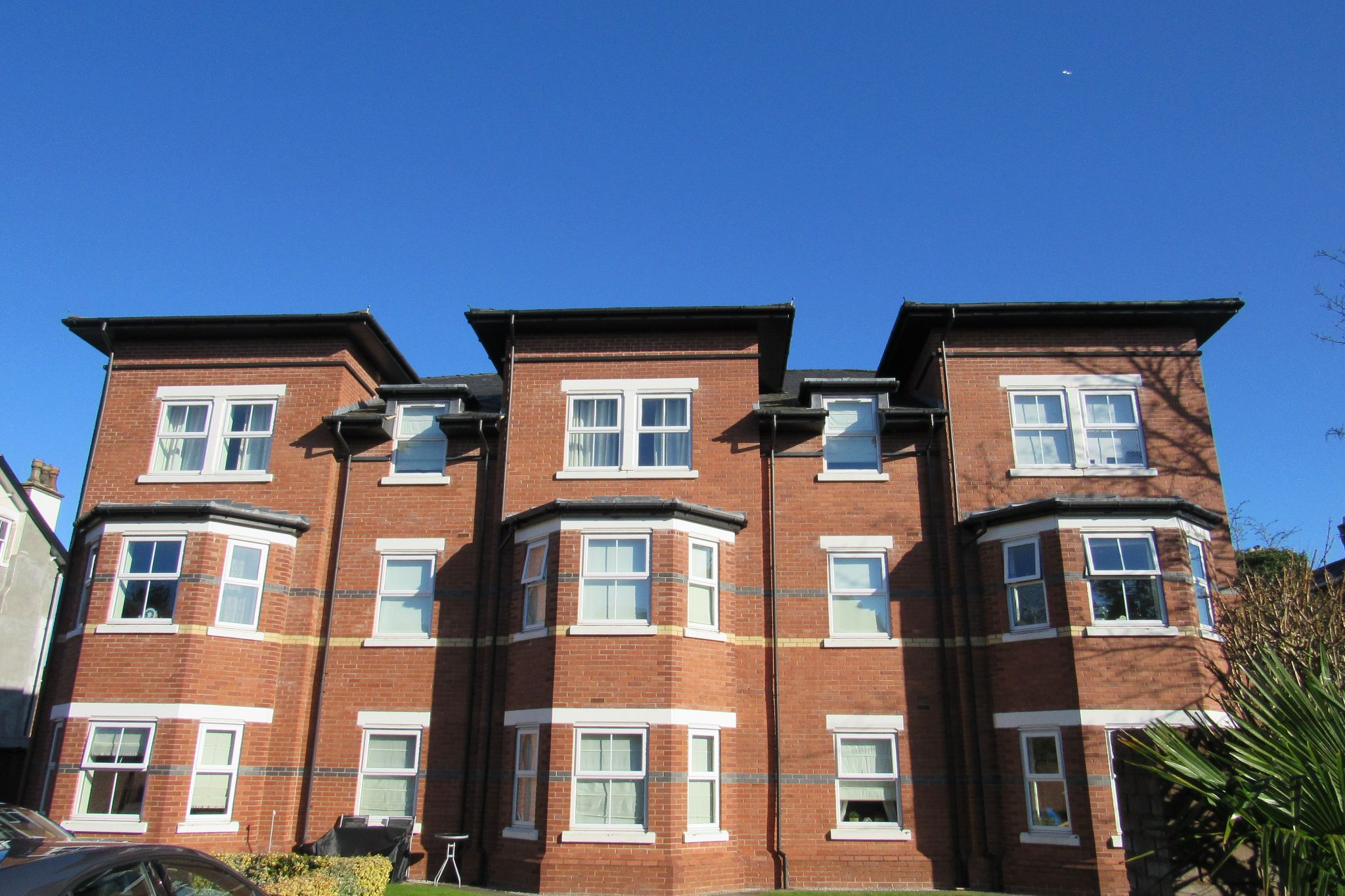 3 bedroom apartment flat/apartment SSTC in Sale - Photograph 4.