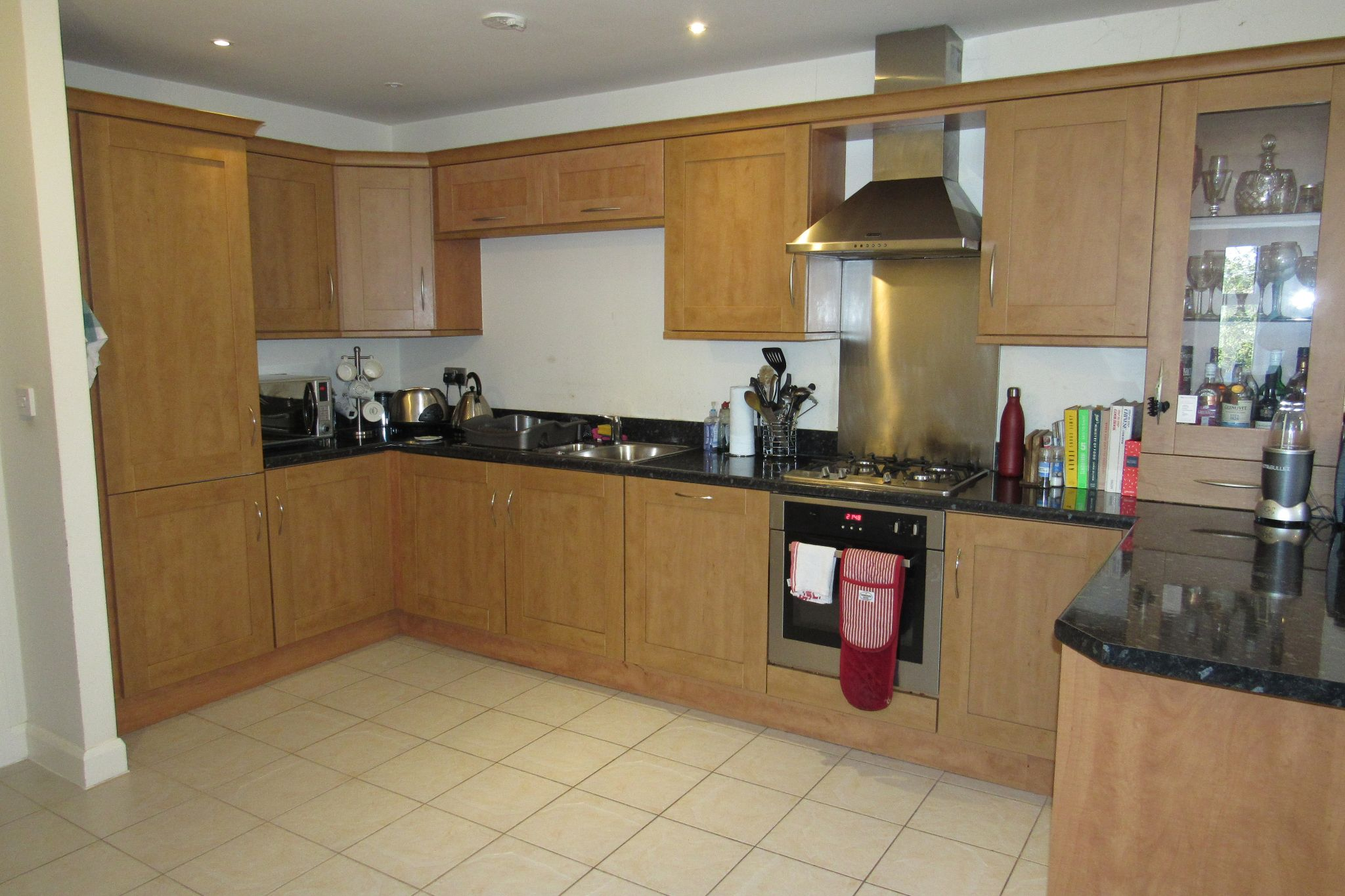 3 bedroom apartment flat/apartment SSTC in Sale - Photograph 17.