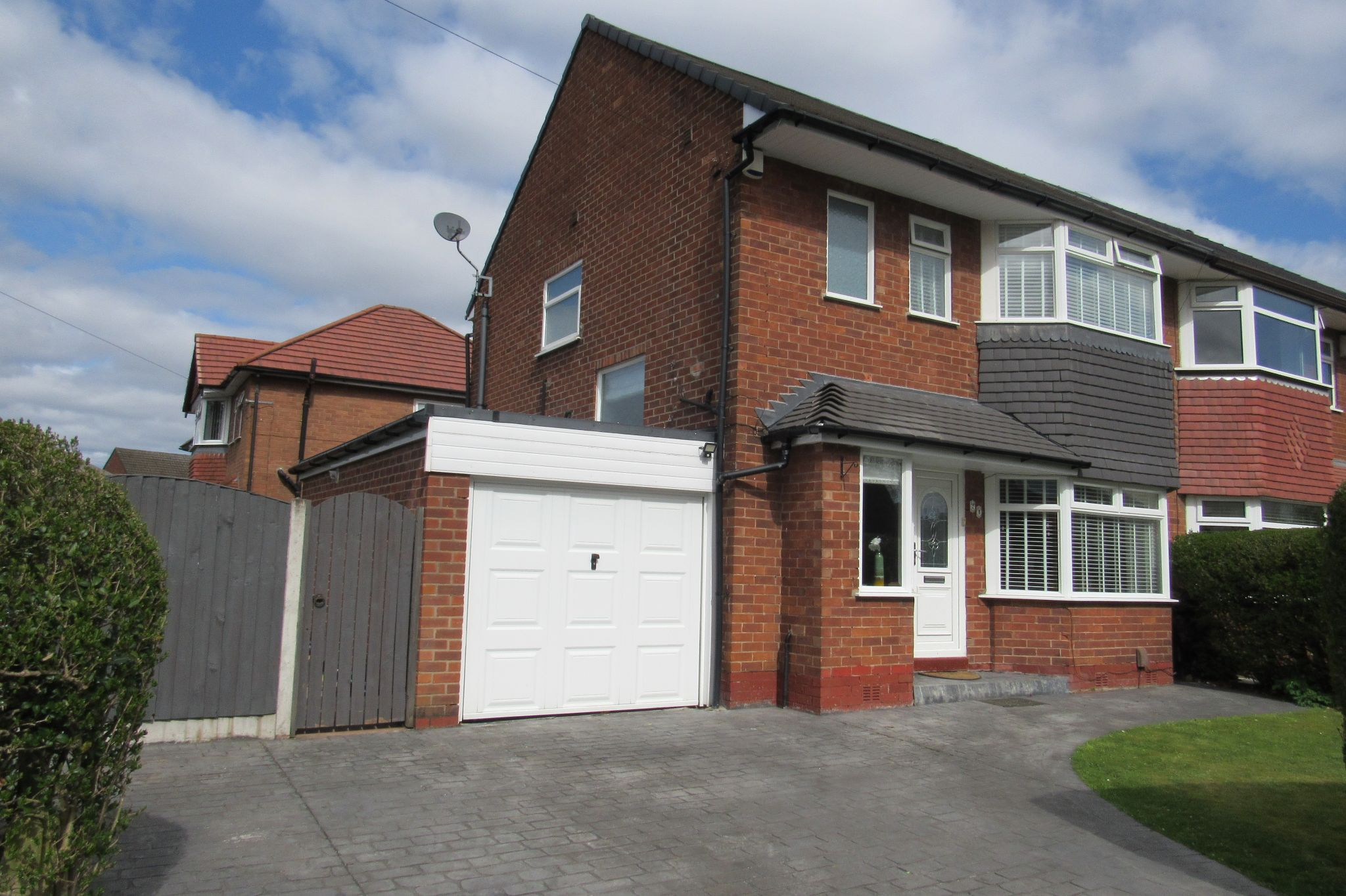 3 bedroom semi-detached house SSTC in Manchester - Photograph 38.