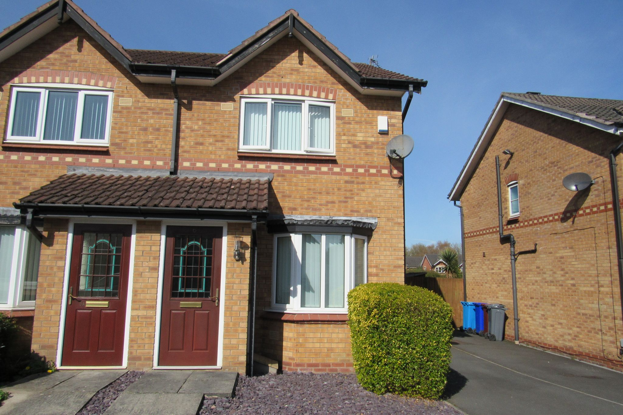 2 bedroom semi-detached house Sale Agreed in Manchester - Photograph 1.