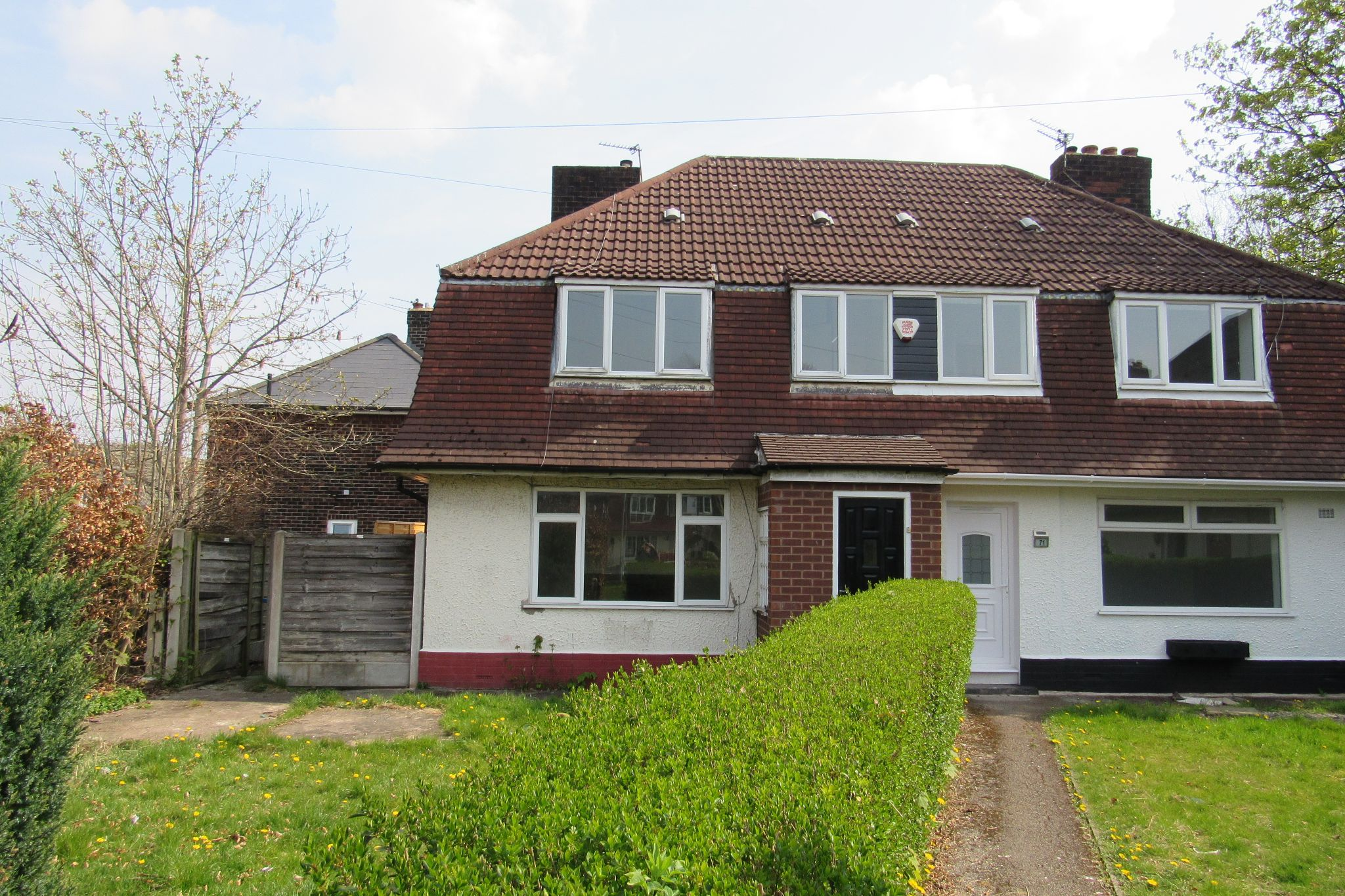 3 bedroom semi-detached house SSTC in Manchester - Photograph 3.