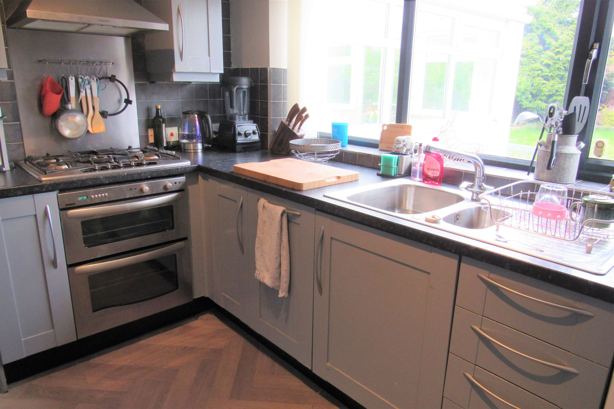 3 bedroom detached house For Sale in Manchester - Photograph 10.