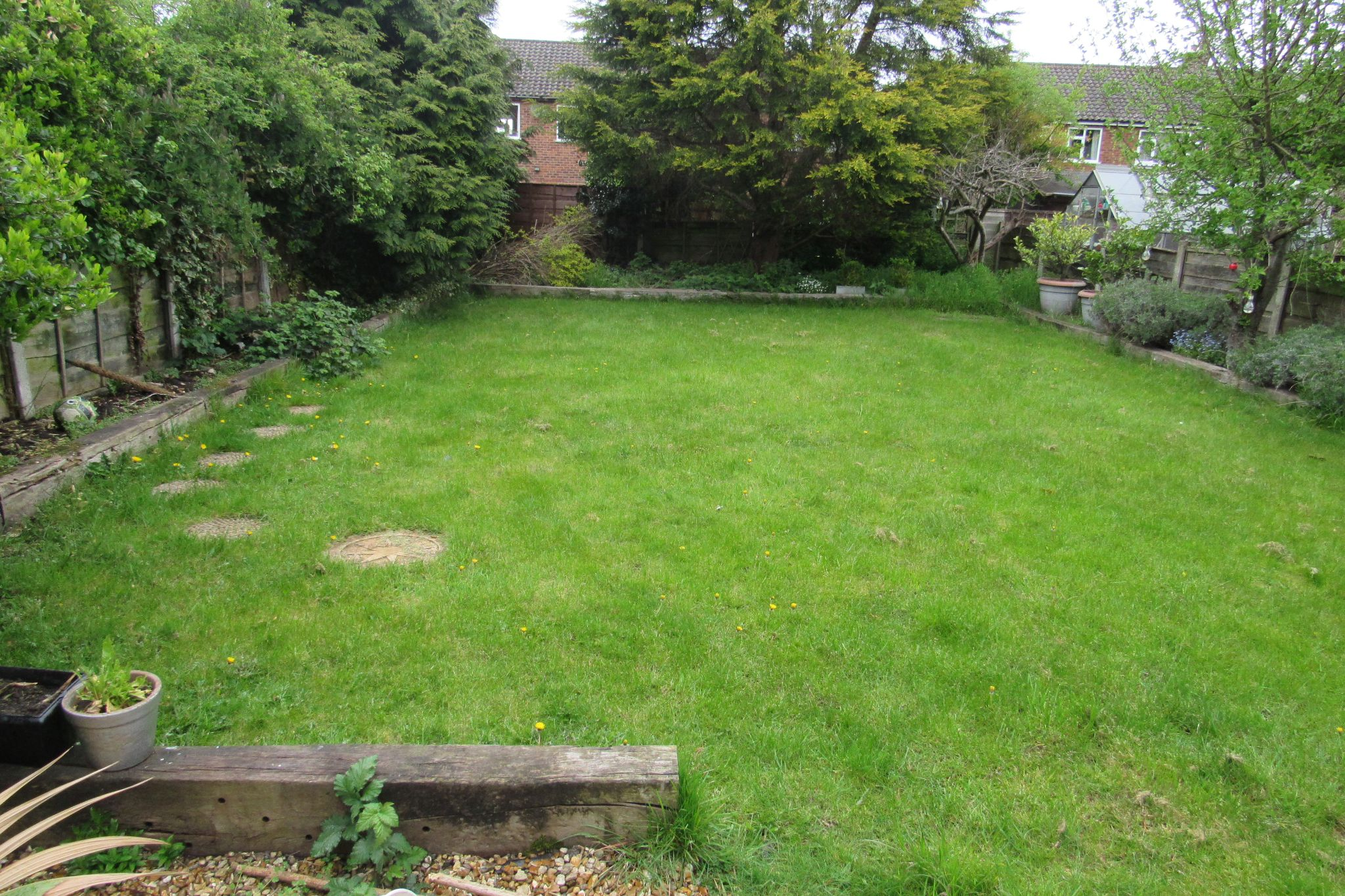 3 bedroom detached house For Sale in Manchester - Photograph 8.