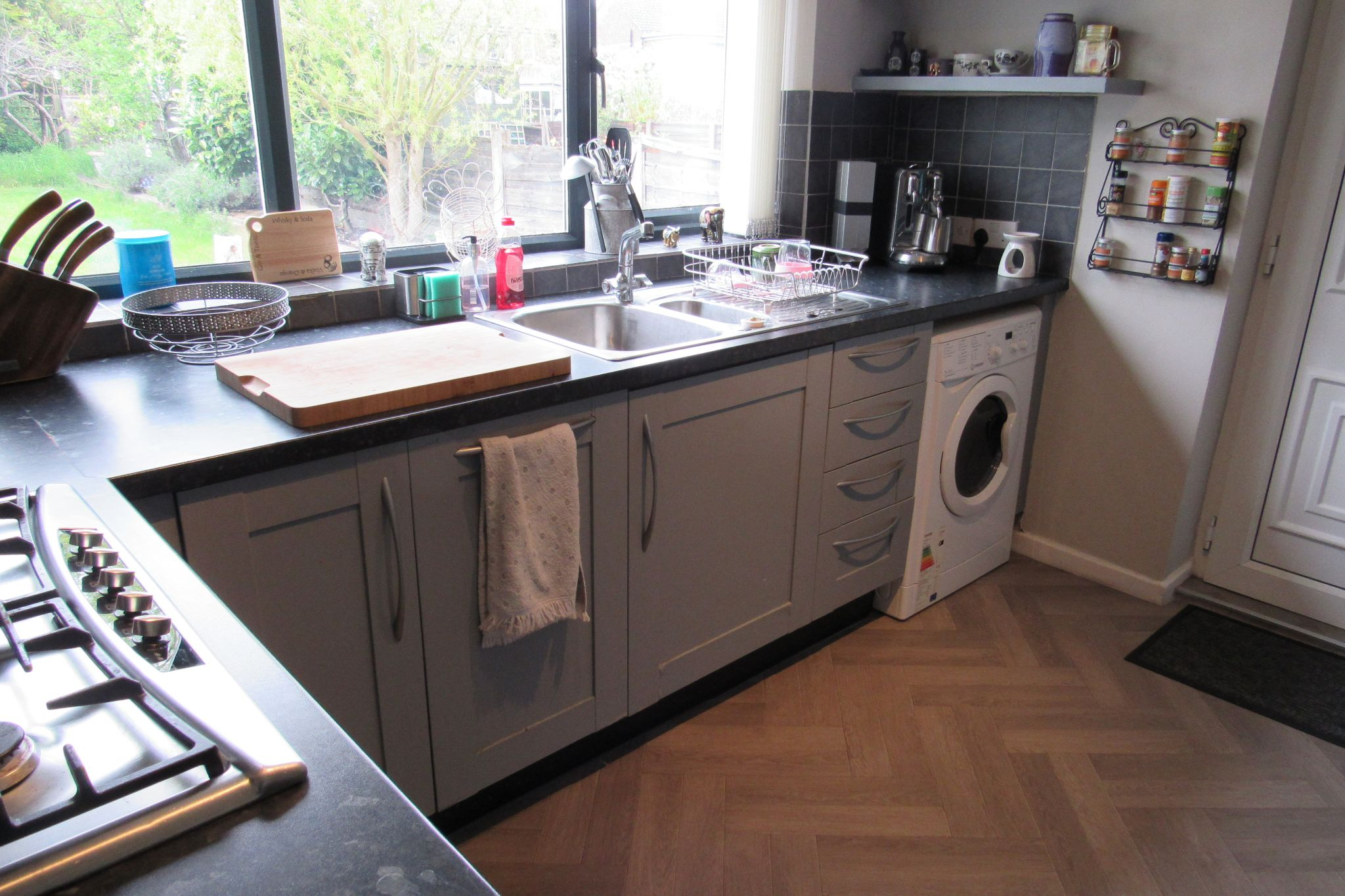 3 bedroom detached house For Sale in Manchester - Photograph 9.