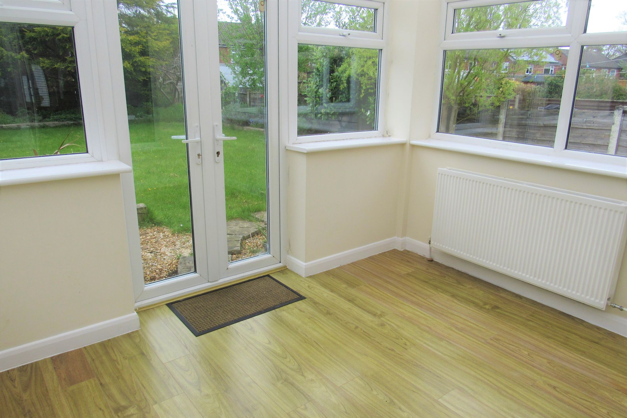 3 bedroom detached house For Sale in Manchester - Photograph 6.